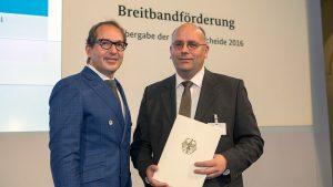 1.Bundesverkehrsminister Alexander Dobrindt und Bürgermeister Gemeinde Ehingen Franz Schlögel